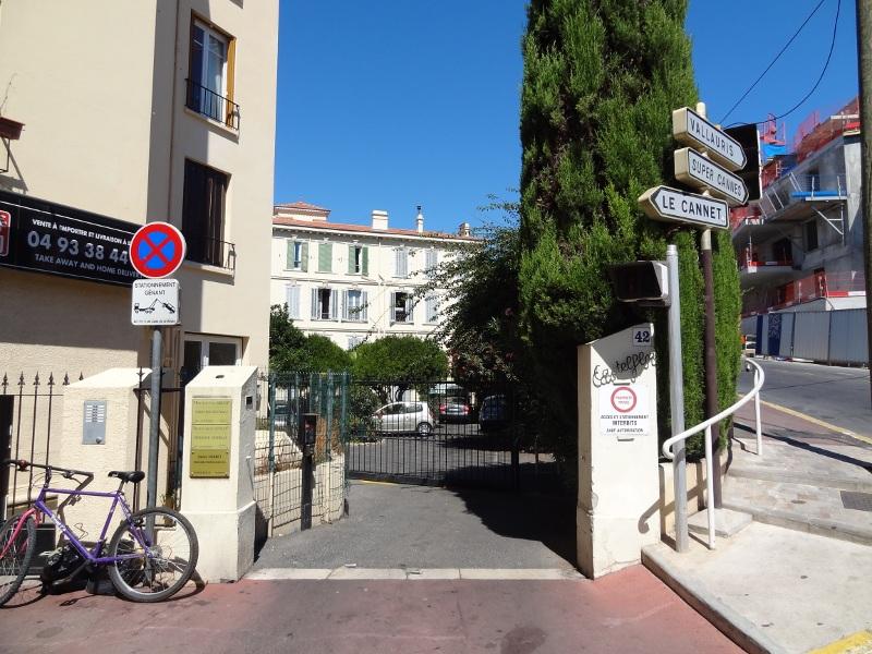 Cannes-extérieur-Castelflor parking